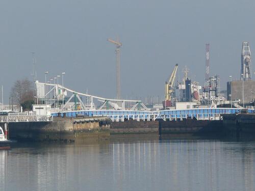 Saint Nazaire - entrée du port
