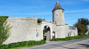 LES REMPARTS DE SAINT-PIERRE-DU-MONT (Calvados)