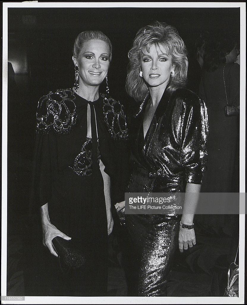 Donna Mills & Joan Van Ark durant les TV Land Awards Celebration of ...