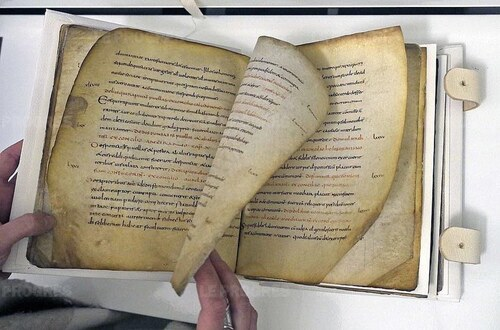 Découverte et restauration d'un manuscrit carolingien à Lyon