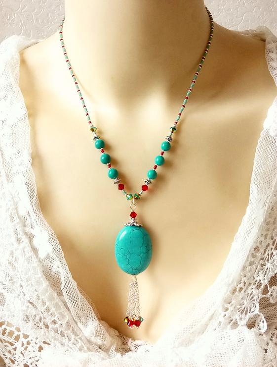 Collier pendentif pierre de turquoise ovale 30 x22 cm et cristal de Swarovski rouge / Argent 925
