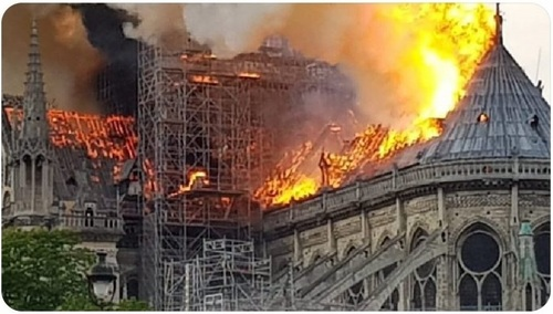 2019, 15 avril Notre-Dame :'-(