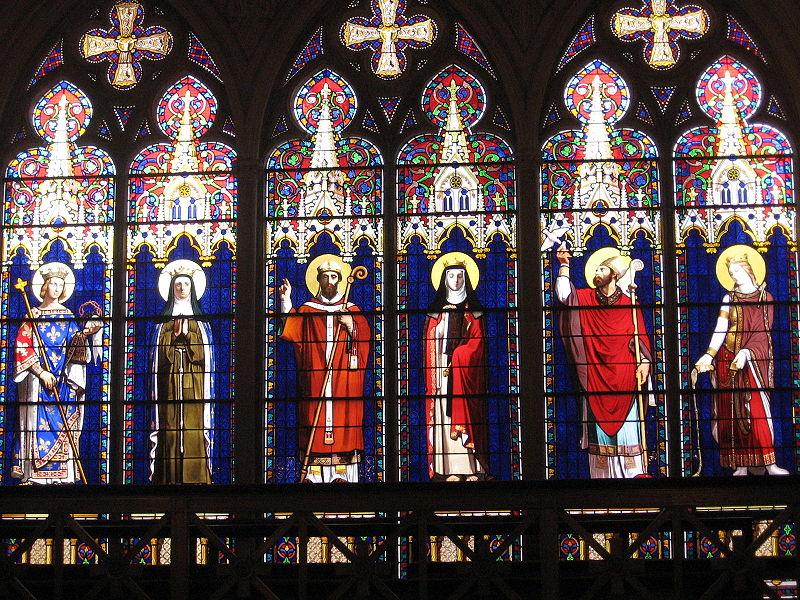 Vitraux de la chapelle royale.jpg