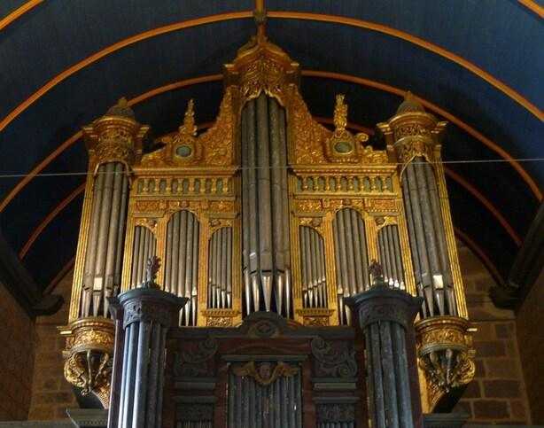 SIZUN - Intérieur de l'église