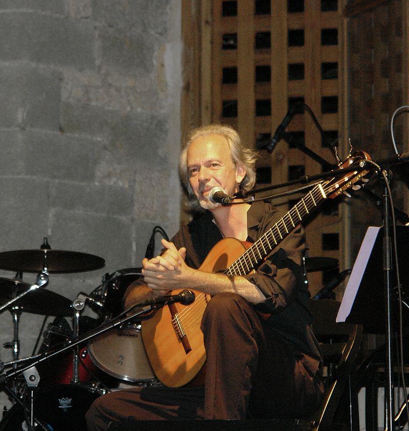 Photo du guitariste américain Anthony Glise en 2008 aux nuits d'Hautecombe, dans la grange batelière.