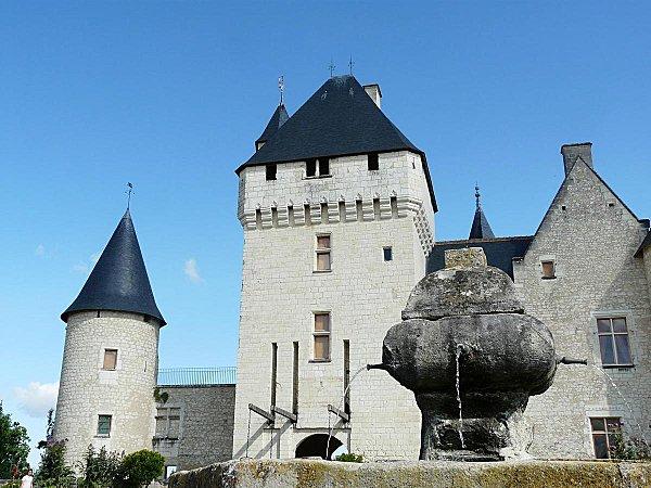 1 - Chateau du Rivau et Fontaine - 21-07-08