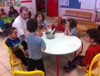 Romuald nous apprend à faire une galette (2)
