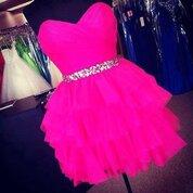 cette robe rose fluo vous fera succombé