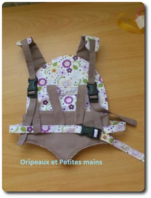 Fantastique Porte poupée. - Oripeaux-et-Petites-Mains ON-94