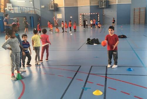 Le jeudi, c'est handball pour les CP!