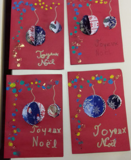 Bricolage de Noël dans la classe des CE