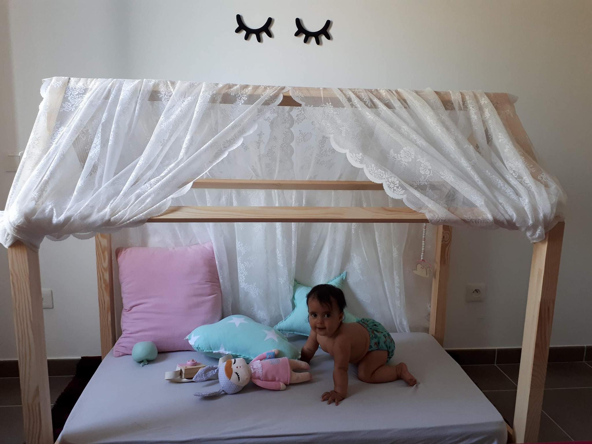 Chambre Lit Cabane Fille ma fille dort par terre (ou presque) - le lit au sol façon