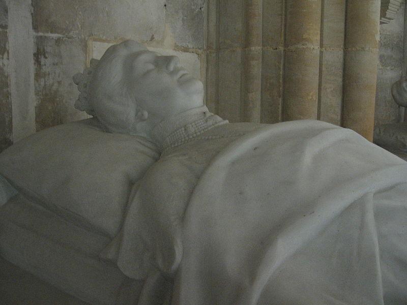 Gisant de la duchesse de Chartres.jpg