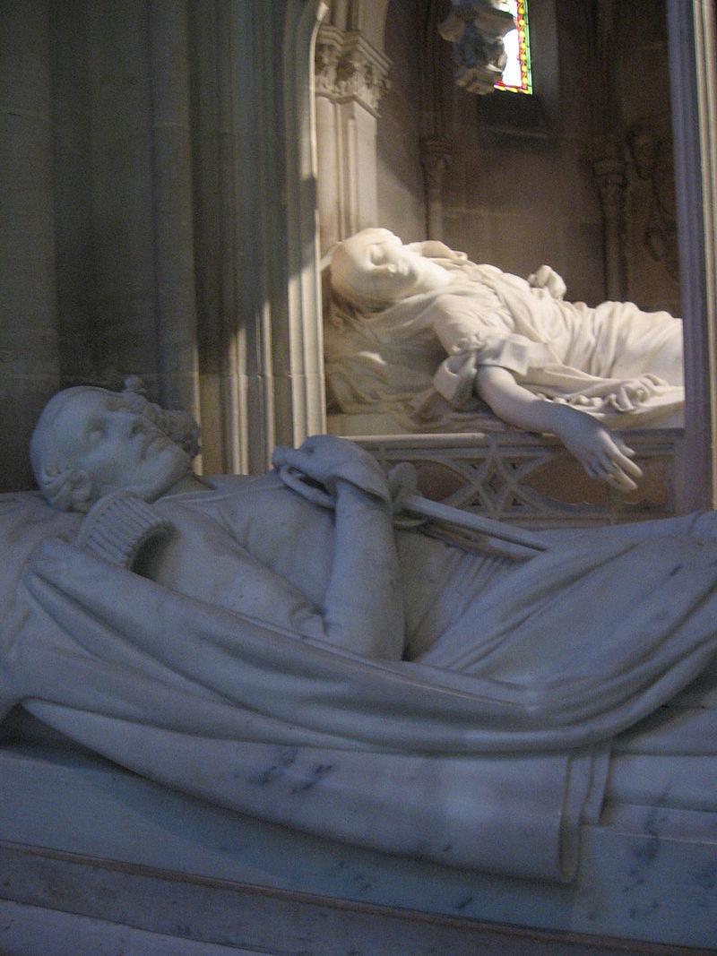 Gisants du duc et de la duchesse d'Orléans.jpg
