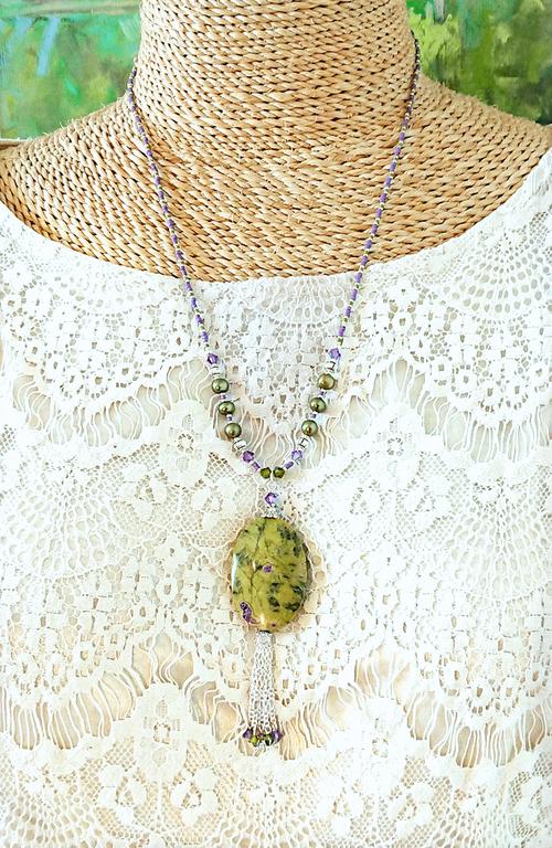Long collier pendentif pierre serpentine et stichtite / cristal Swarovski / pl argent - Green purple serpentine pendant necklace