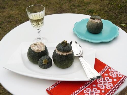 Courgettes farcies froides au thon et à la brousse