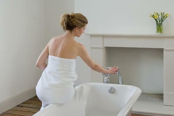 Холодная или горячая ванна при геморрое