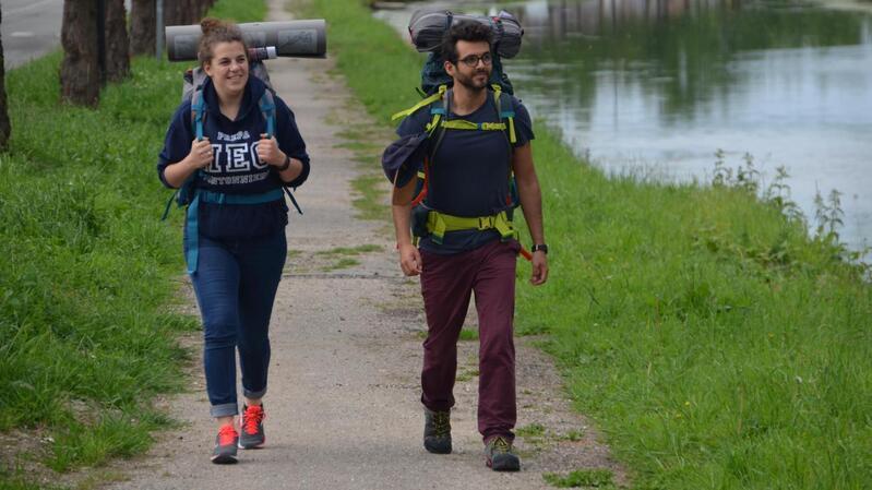Cécile Juen et Julian Paniagua entament ces Diabedays qui va les conduire de Saint-Valery-sur-Somme à Montpellier à pied, en récolant 10  € de don par kilomètre parcouru.